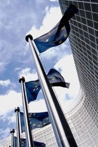 Bandera de la UE en la sede de la Comisión Europea. Fuente: Wikimedia Commons