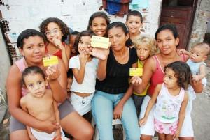 beneficiarios del programa social Bolsa Familia