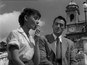 Audrey Hepburn tomando un helado en la Plaza de España. Flickr