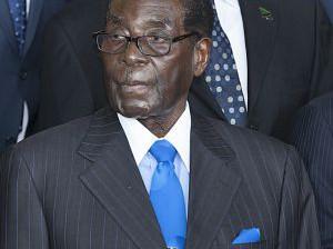 Robert Mugabe en la Cumbre de la Unión Africana que está teniendo lugar estos días en Etiopía. FOTO: Zacharias Abubeker (AFP)