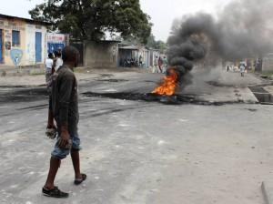 Un manifestante en Kinshasa