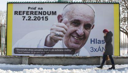El Papa Francisco, imagen de la campaña a favor del referéndum. Fuente: JAKUB GAVLAK