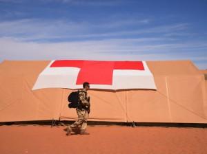 Soldado francés en las inmediaciones de una de sus bases en Libia.  Fuente: Agence France-Presse — Getty Images