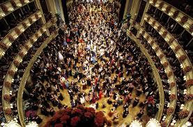 Viena Revive Su Pasado Imperial Con La Elegancia Y El Glamur De Sus Bailes Periodismo Internacional