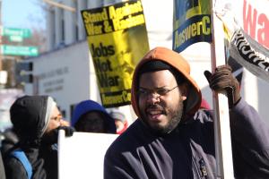 Eugene Puryear, de la coalición «Answer», al que pertenece el movimiento «Black Lives Matters» (Las vidas de los negros importan). Foto: Irene Benedicto.
