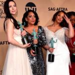 Parte del elenco de 'Orange is the New Black' con sus Premios del Sindicato a mejor reparto de comedia