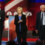 Candidatos demócratas (O'Malley, Clinton y Sanders, de izquierda a derecha) en debate anterior al Caucus de Iowa
