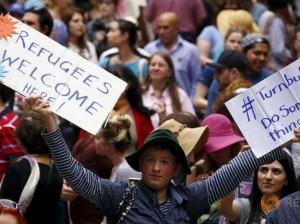 Manifestantes australianos se solidarizan con los refugiados en el centro de Sydney, Australia, 11 de octubre de 2015. REUTERS / David Gray