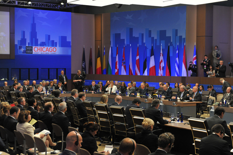 Los ministros de Exteriores de cuatro países candidatos –Bosnia-Herzegovina, Georgia, Montenegro y la Antigua República Yugoslava de Macedonia–, en la cumbre de Chicago de mayo de 2012.
