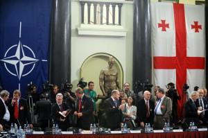 Reunión del Consejo de la OTAN con miembros del parlamento de Georgia en septiembre de 2008. Foto: NATO