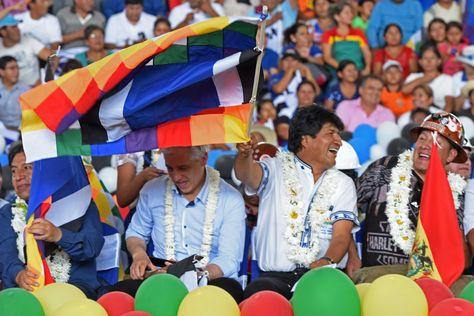 Evo Morales y el vicepresidente, Álvaro García Linera, durante el Congreso del MAS