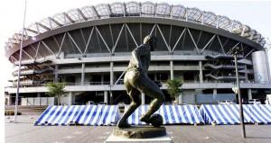Estatua que homenajea a Zico frente al Kashima Stadium.