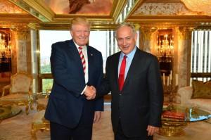 Trump apuesta por una fuerte relación con el gobierno de Netanhayu. Fuente: El País