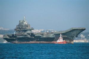 El portaaviones chino Liaoning, que el pasado miércoles entró en el estrecho de Formosa