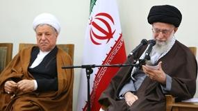 Rafsanhayi junto a Alí Jameneí. Fuente: HispanTv