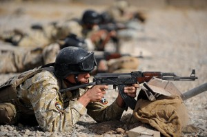 Miembro de las fuerzas armadas en la ofensiva contra Estado Islámico en Mosul (Irak)