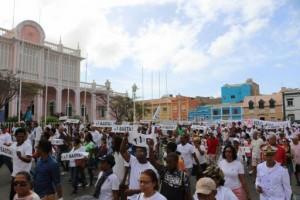 Manifestantes en la isla de São Vicente (Cabo Verde) el pasado sábado. Fuente: Facebook Sokols2017