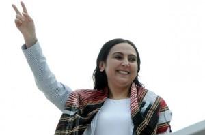 Figen Yüksekdag, copresidenta en prisión del partido HDP / Kurdistan Tribune